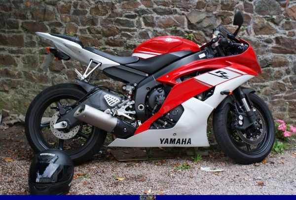 2009 YAMAHA YZF-R6, STREET LEGAL MOTORCYCLE